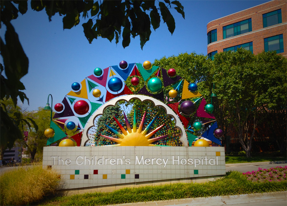 Children's Mercy Hospital entrance sign